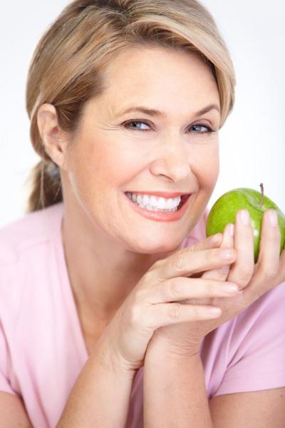 Gáspár Dental implantáció fogbeültetés stabil fogsor program implantátumra épülő pótlások