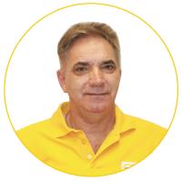 Dr. Gáspár Lajos az orvostudomány kandidátusa szájsebész implantológia lézer sebész igazságügyi fogorvosszakértő a Gáspár Medical Center szakmai igazgatója