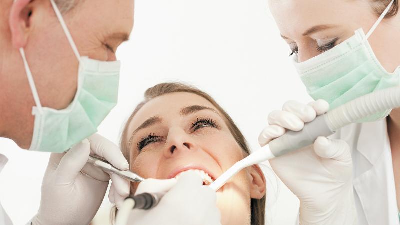 Gáspár Dental szájsebészet foghúzás foggyökér műtét csontműtétek arcüreg emelés